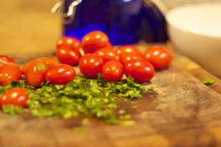 30915_parsley_tomato
